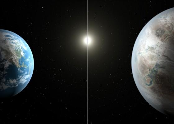 Сравнение между размерите на двете планети и двете Слънца.